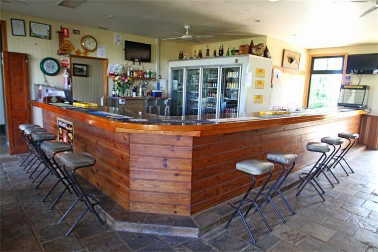 Garradunga Hotel - Palm Beach Accommodation