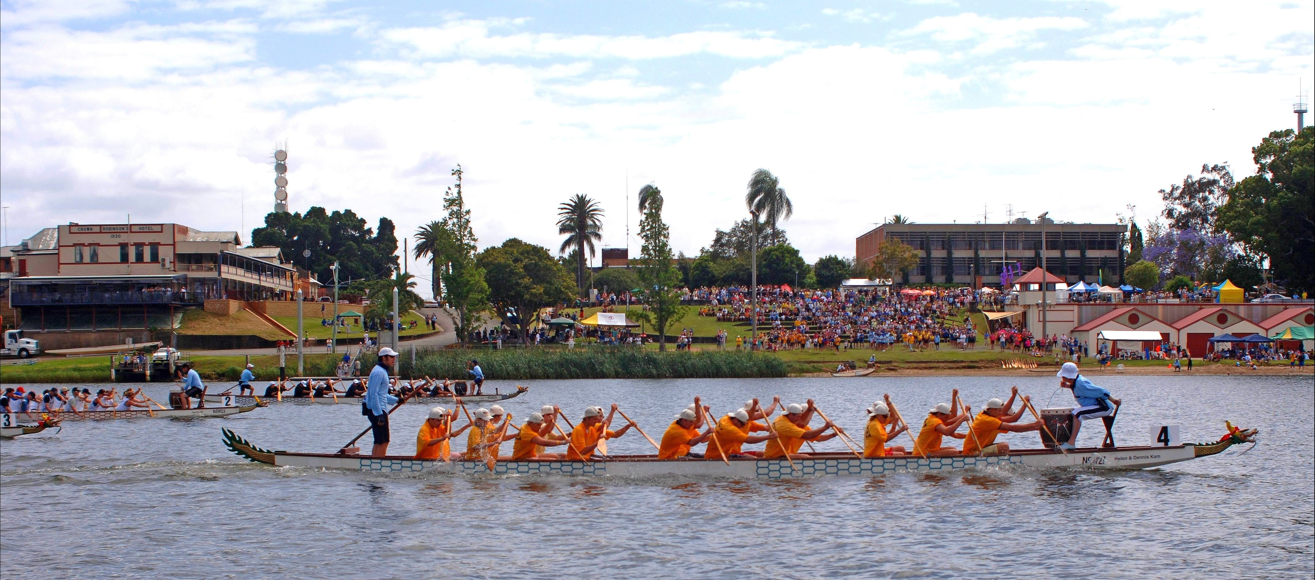 Jacaranda Dragon Boat Races - Palm Beach Accommodation