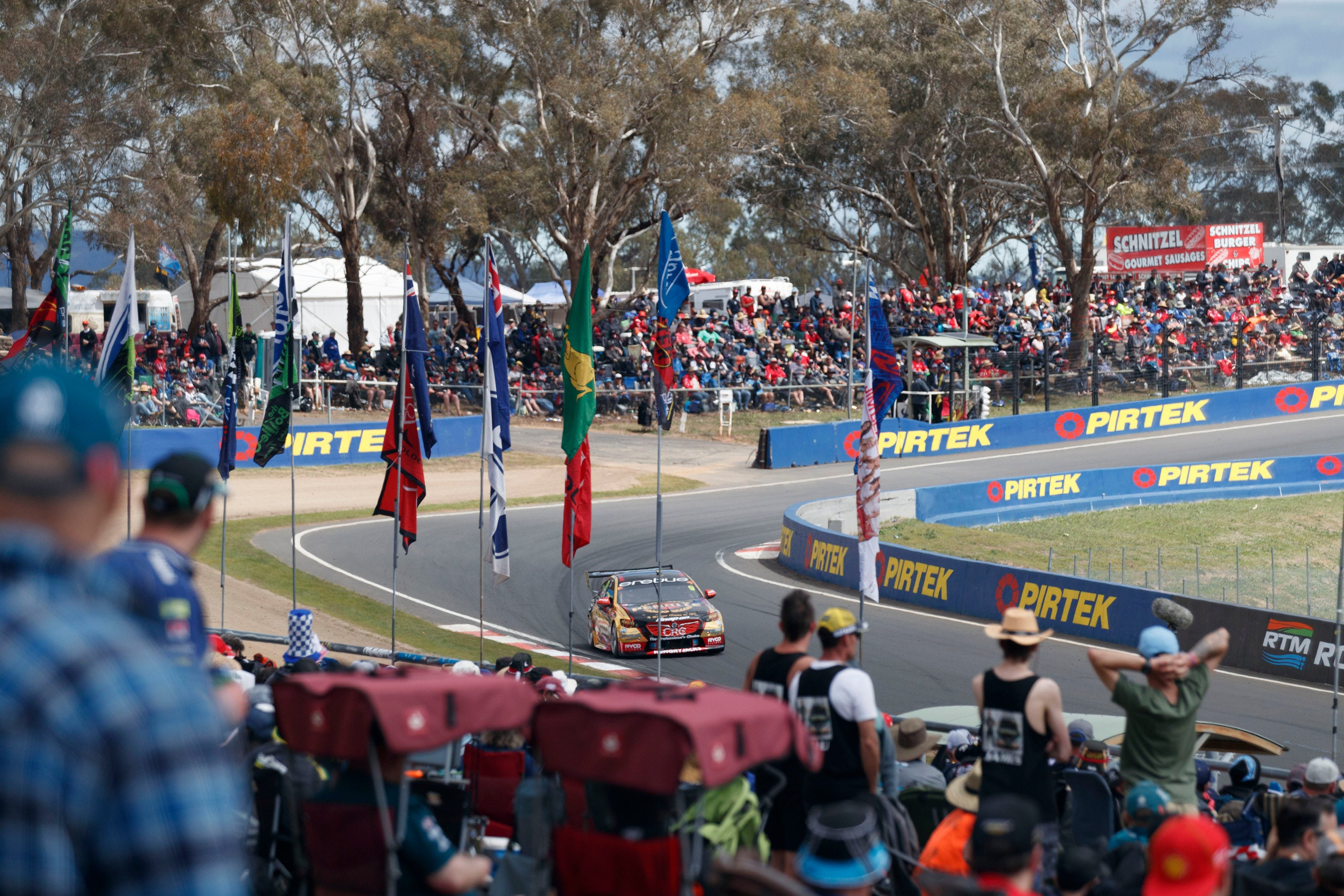 Supercars Supercheap Auto Bathurst 1000 - Palm Beach Accommodation