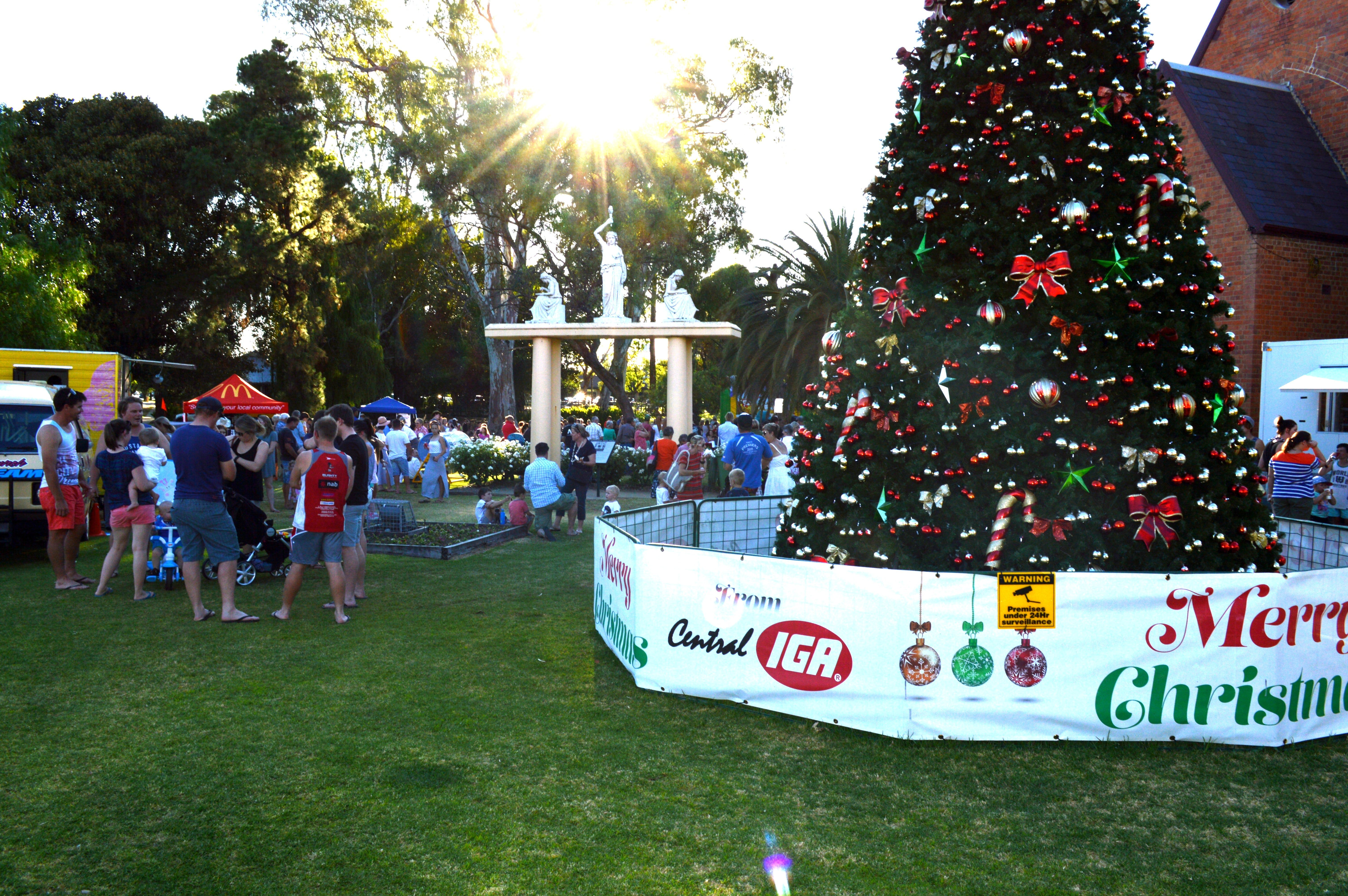 Community Christmas Party and Carols by Candlelight - Palm Beach Accommodation