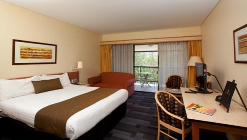 Alice Springs ResortMercure - Palm Beach Accommodation