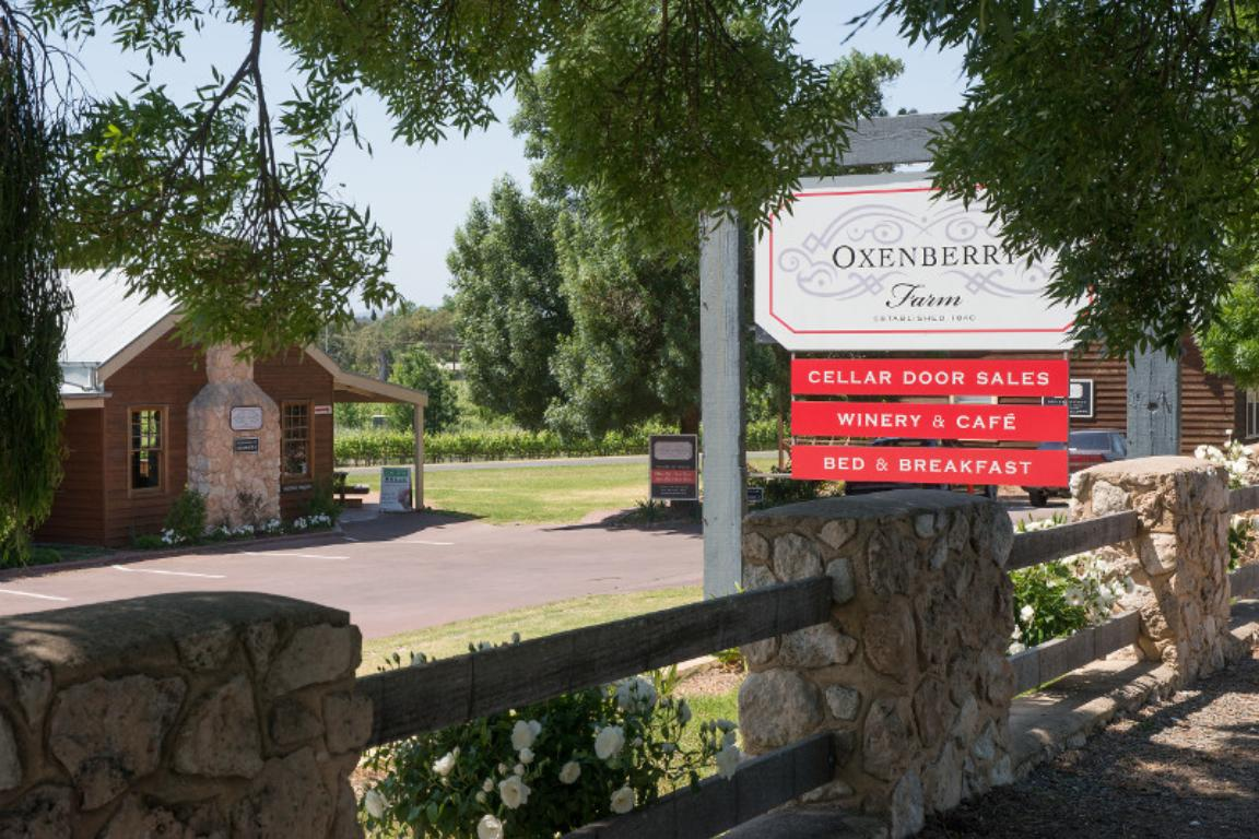 OXENBERRY FARM - Palm Beach Accommodation