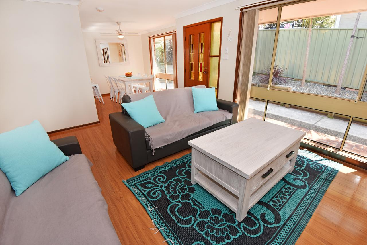 Hopetoun Villa - Palm Beach Accommodation