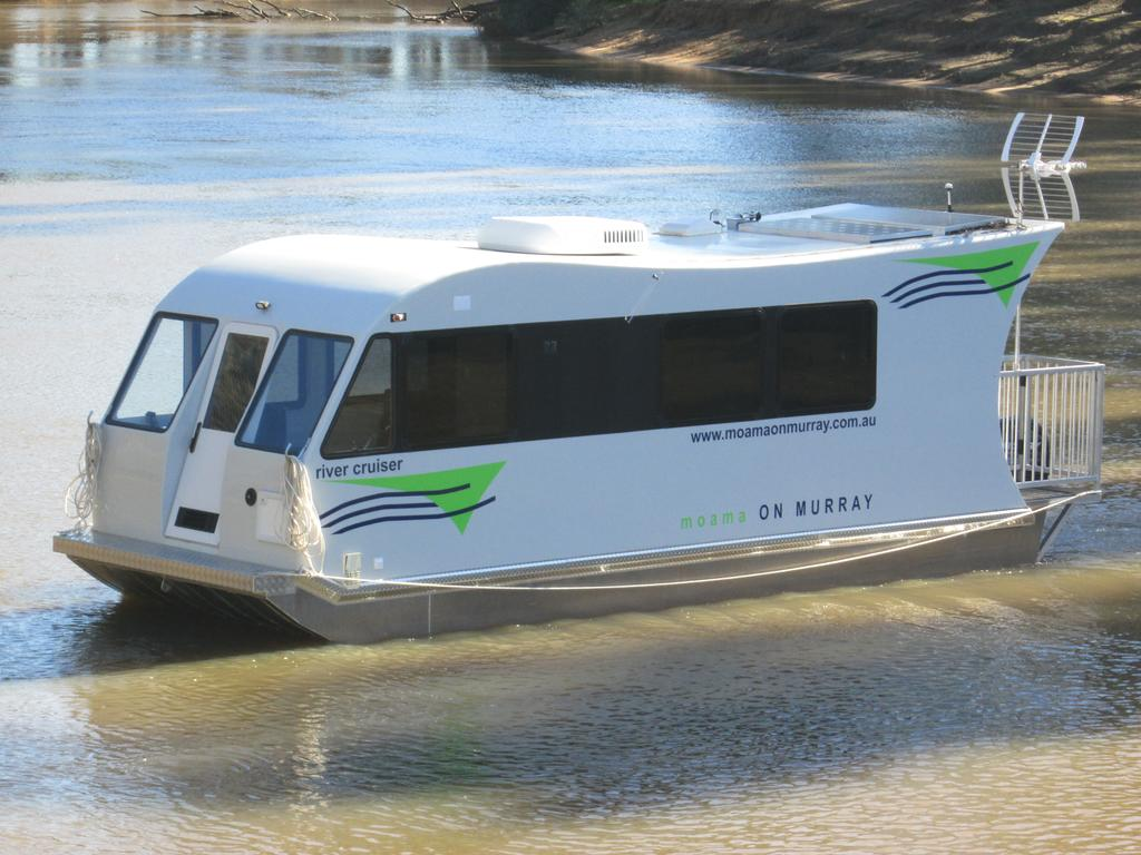 Moama on Murray Houseboats - Palm Beach Accommodation