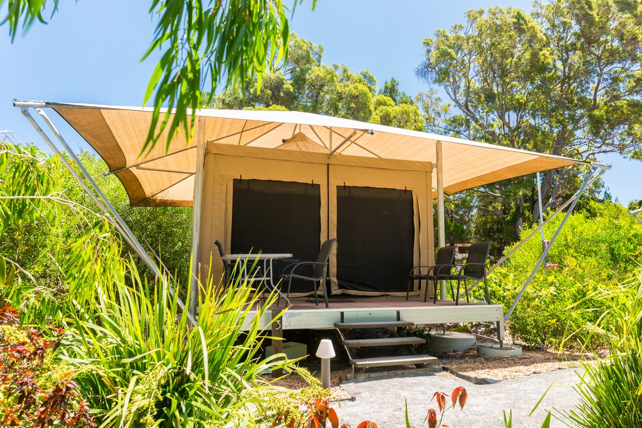 Castaways Moreton Island - Palm Beach Accommodation