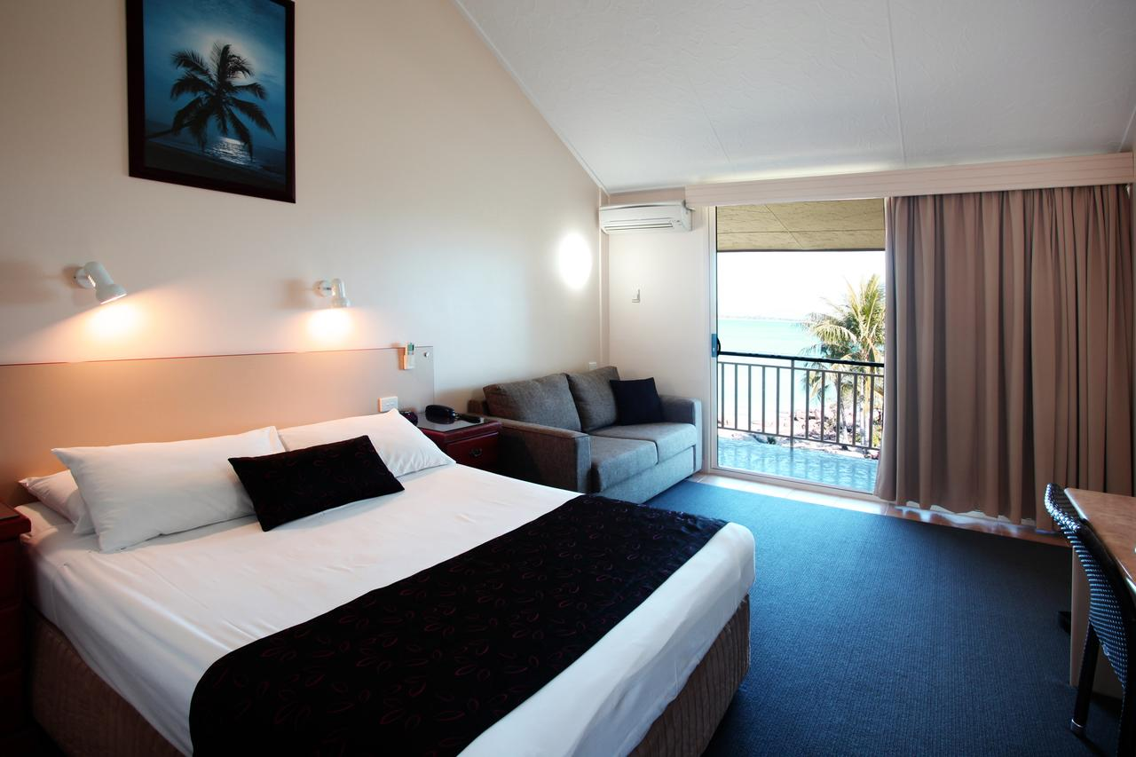 Whitsunday Sands Resort - Palm Beach Accommodation