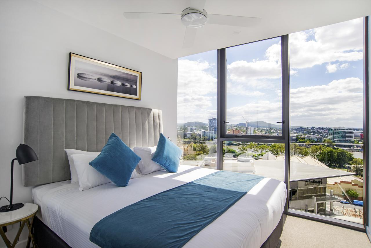 Arise Brisbane 1 - Palm Beach Accommodation