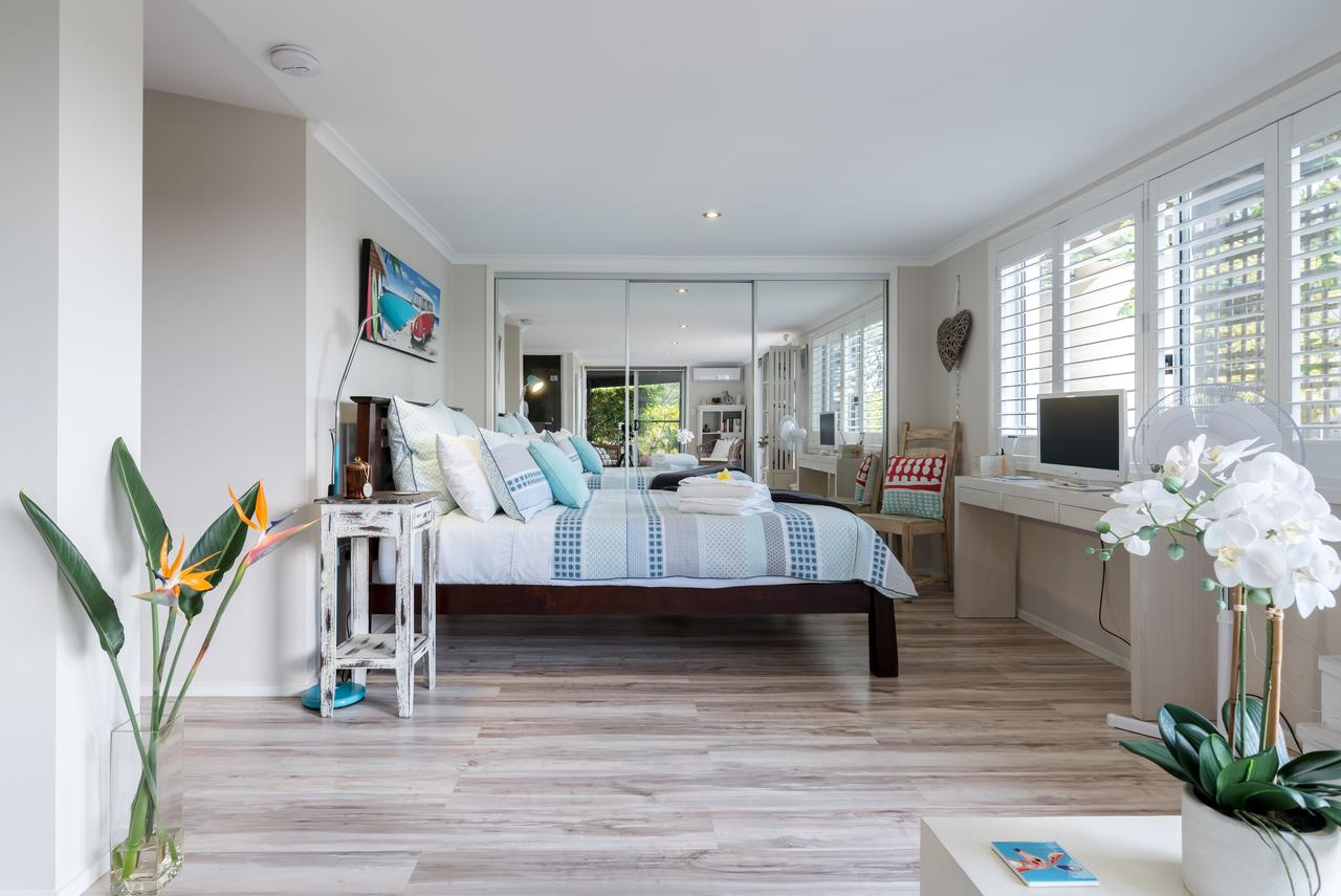Private guest suite high on Currumbin hill - Palm Beach Accommodation